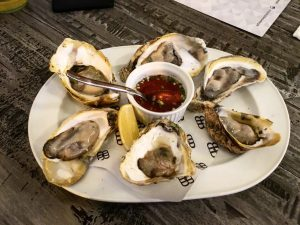 ...And then the freshly shucked Oysters.. Mmmmm..