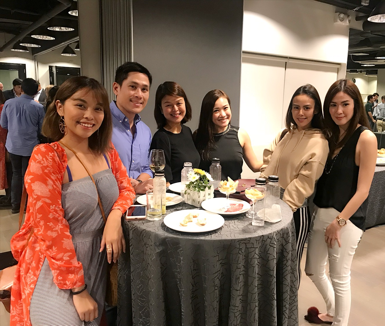 Here we are enjoying the hors d'oeuvres served at the launch! L-R Lexie Puzon, Macky Coronel, May Liwanag, Lyn Martinez, Janina Manipol, and Me.